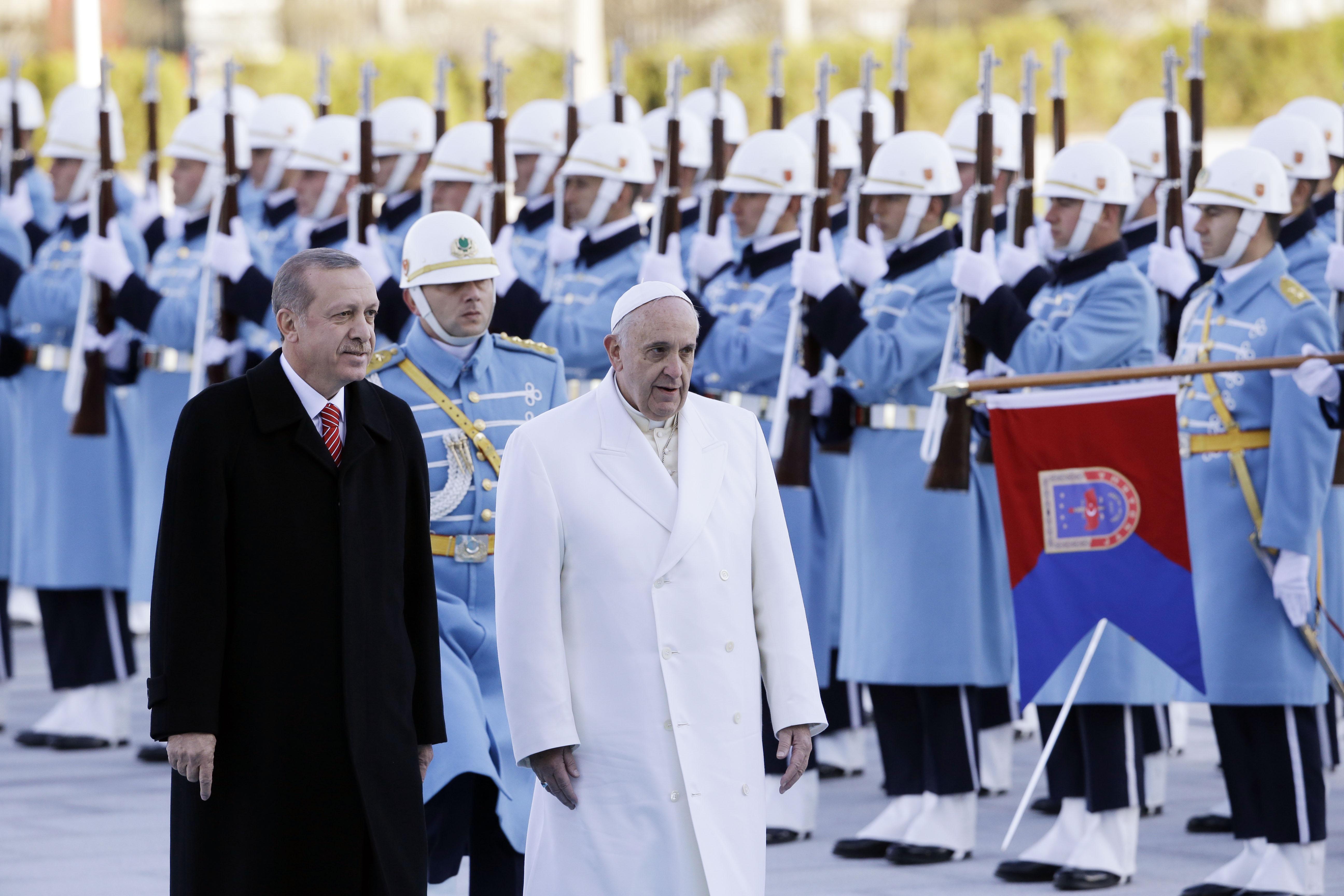 Kuva: Erdogan ja paavi