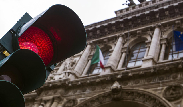 red light in rome