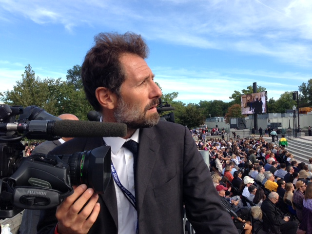 AP video-journalist Paolo Santalucia aka Mr. Panache on Capitol waiting for Pope Francis to arrive. September 24, 2015. Photo by Trisha Thomas
