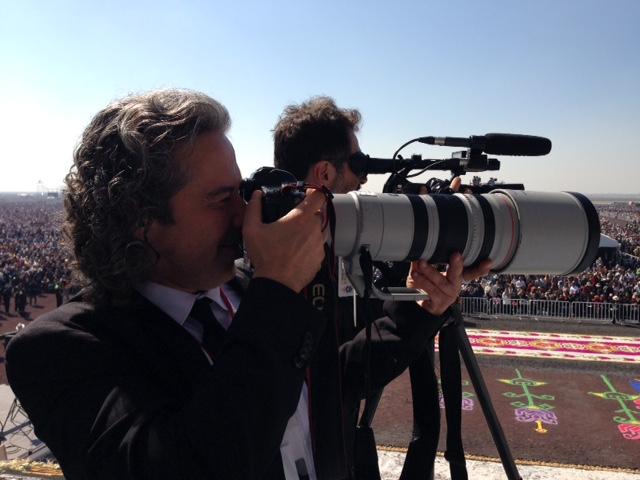AP Photographer Gregorio Borgia with AP Television VJ Paolo Santalucia in Ecatepec, Mexico City, February 14, 2016. Photo by Trisha Thomas