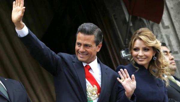 Mexican President Enrique Peña Nieto and his with Angélica Rivera