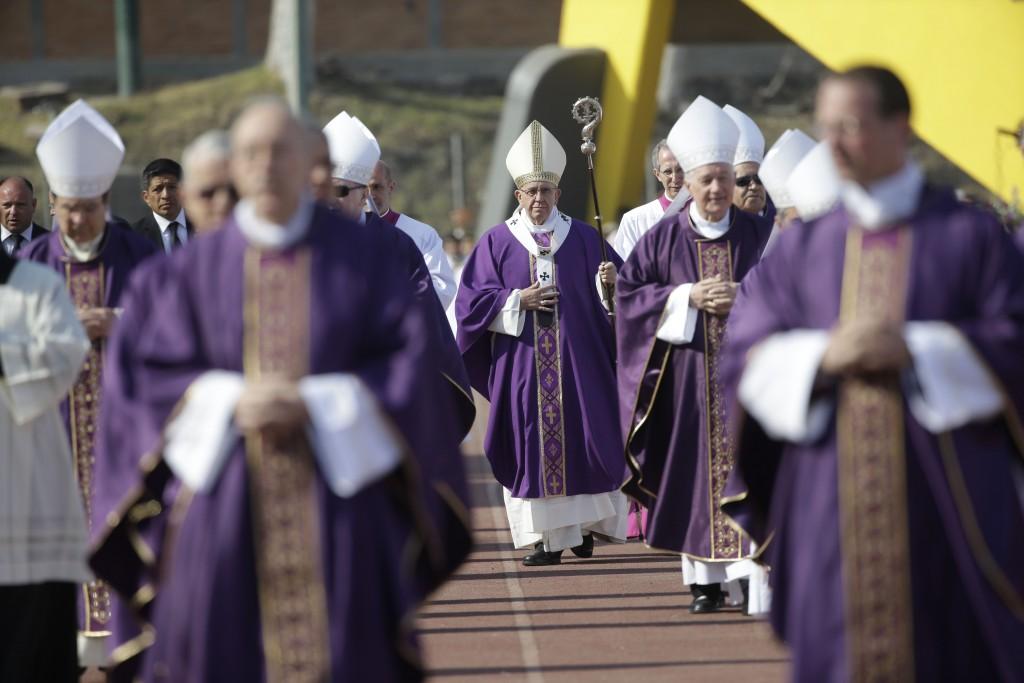 Pope Francis processing into Mass with religious at stadium in Morelia, Mexico. February 16, 2016. Photo by AP Photographer Gregorio Borgia for Mozzarella Mamma