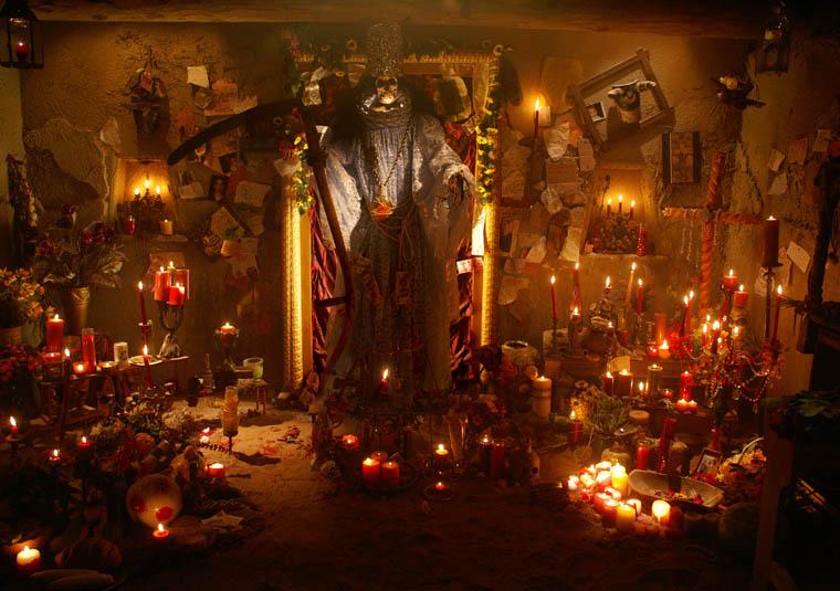 "Santa Muerte Shrine in ""Breaking Bad"". Credit: AMC"